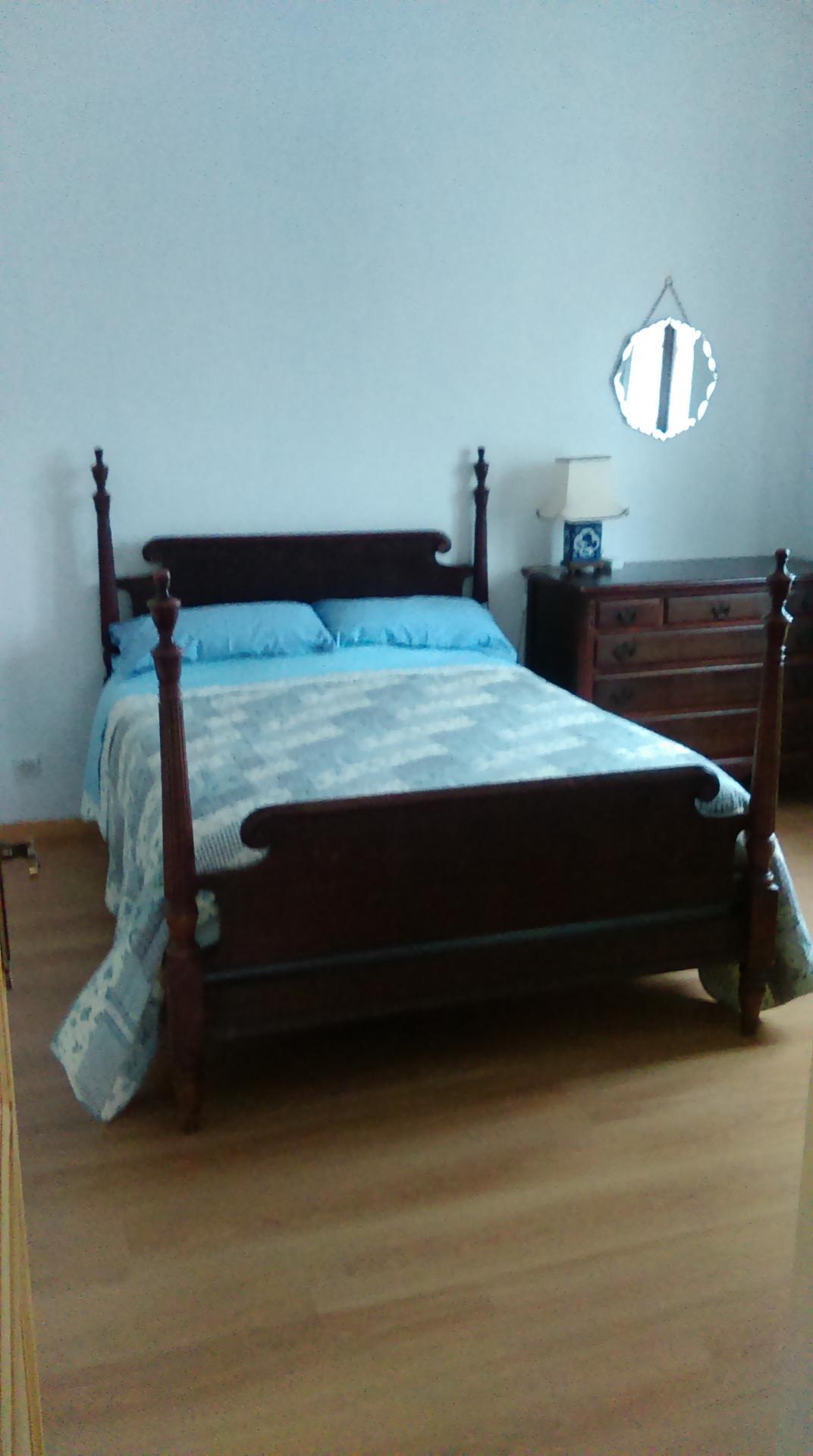 La Petite Maison bedroom